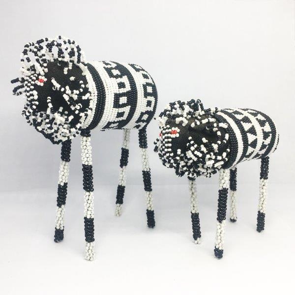 Beaded Animals : Black & White Lion